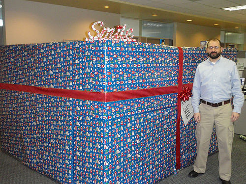 funny gift wrapped cubicle office prank