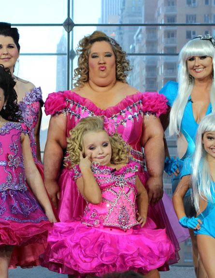 funny mother daugher pageant photo