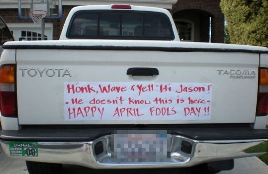 funny honk and yell hi jason he doesn't know this is here april fools prank