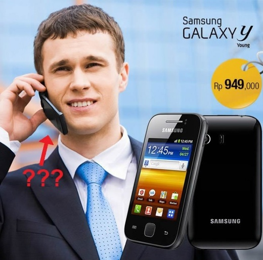 funny phone advertisement fail pic samsung galaxy man holding different flip phone