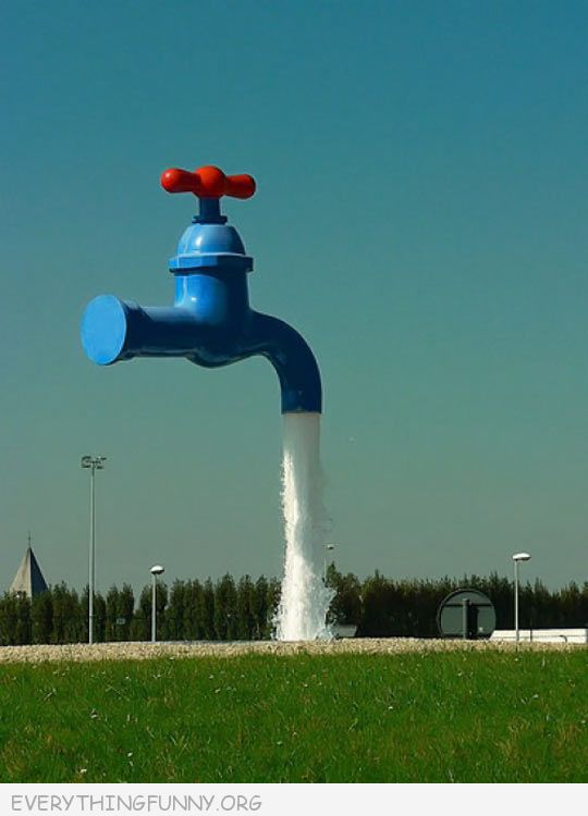 funny water fountain spout picture
