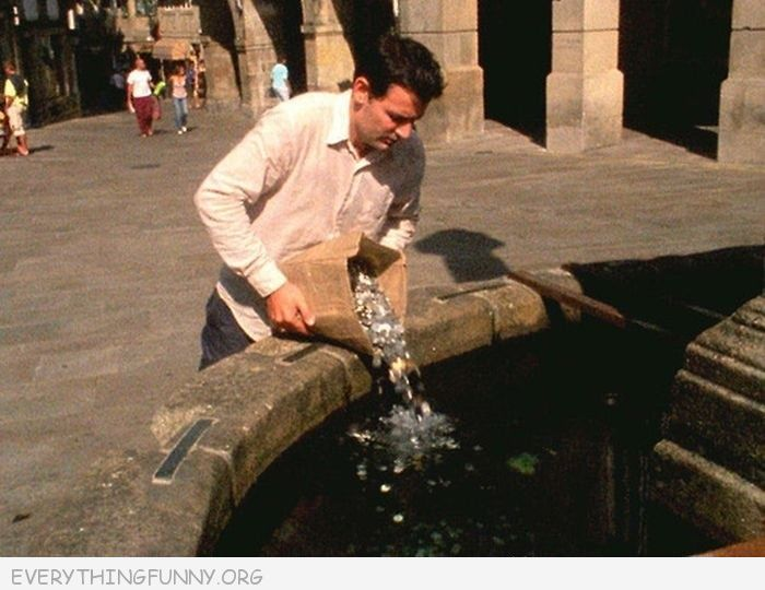 funny photos, funny pics, wishing well, pouring bag of change into wishing well, lol pics,