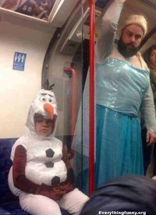 funny dad dresses like elsa from frozen for child who dressed like olaf